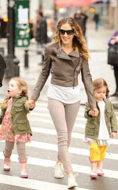 Cute look from SJP Sarah Jessica Parker Sarah Jessica Parker, Rick Ross, Celebrity Kids, Celebrity Style, Metallic Jacket, Mommy Style, Kid Styles, Mode Inspiration, Cool Outfits