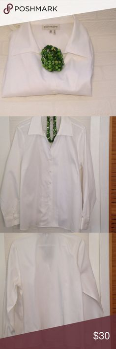 Evan picone crispy white never worn Long sleeve button down white shirt, purchased but lost weight, so I never had a chance to wear it. Perfect for work, mid week meetings, conventions, etc. ❤️ Evan Picone quickcare Tops Button Down Shirts