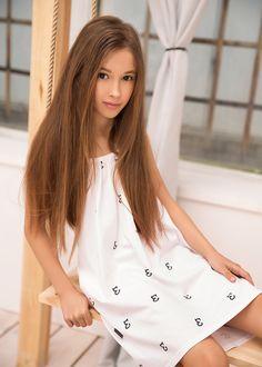 Suknie i sukienki dla dziewczynek na DeFashion.pl | #defashionpolska #fashion #kids #dresses #sukienki #dzieci #suknia Fashion Kids, Shirt Dress, Shirts, Dresses, Vestidos, Shirtdress, Dress, Dress Shirts, Gown
