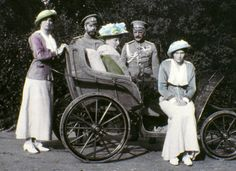 The family of Tsar Nicholas II. The series of the unique pictures were taken by the Tsar Nicholas II himself or people close to the royal family. Get premium, high resolution news photos at Getty Images Anastasia Romanov, Tatiana Romanov, La Familia Romanov, Zar Nikolaus Ii, House Of Romanov, Alexandra Feodorovna, Colorized Photos, Russian Revolution, Tsar Nicholas Ii
