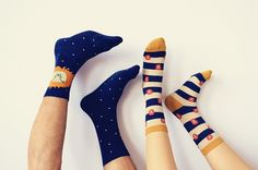 Package+includes+one+(1)+pair+of+authentic+Caramella+socks.  Colour:+Blue+&+Yellow Pattern:+Polka+Dot,+Striped  One+size,+fits+US+shoe+size+4-9+(EU/CHN+35-40)