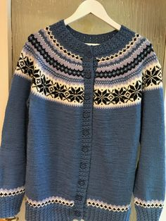 Sweaters, Fashion, Moda, Fashion Styles, Sweater, Fashion Illustrations, Sweatshirts, Pullover Sweaters, Pullover