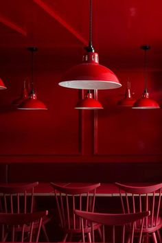 The bold colour choice of this dining space in this restaurant in London is a fun and different interior concept. The red powder coloured pendant light shade is an exciting addtion to the elaborate dining space. #mullanlighting #restaurantlighting #lightingdesign #lightingideas #restaurantdesign #hospitalitylighting #hospitatilitydesign #commercialdesign #commerciallighting #lightingretail #retaildesign #retailinteriors #lightingconcepts #pendantlighting #pendantlights #hanginglighting Industrial Restaurant, Restaurant Lighting, Restaurant Design, Commercial Lighting, Commercial Design, Lighting Concepts, Lighting Design, Industrial Pendant Lights, Pendant Lighting