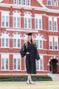 Girl Graduation Pictures, Graduation Picture Poses, College Graduation Pictures, Graduation Photoshoot, Graduation Cap And Gown, Grad Pics, Cap And Gown Pictures, Gown Photos, Photography Senior Pictures