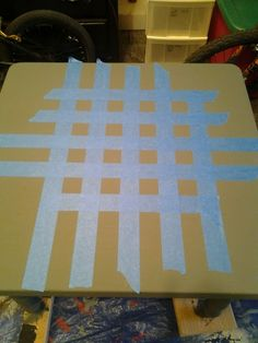 Dorothy Sue and Millie B's too: How to Paint a DIY Checkerboard Coffee Table Painted Game Table, Painted Picnic Tables, Painted Table Tops, Painted Coffee Tables, Diy Coffee Table, Coffee Cups, Checkerboard Table, Checkerboard Pattern, Diy Table Top