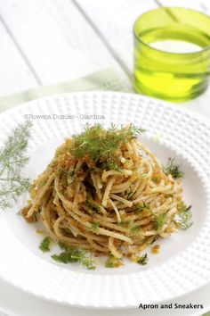 Apron and Sneakers - Cooking & Traveling in Italy and Beyond: Spaghetti With Breadcrumbs, Wild Fennel and Anchovies (Pasta Ca' Muddica) and the Town of Civita di Bagnoregio
