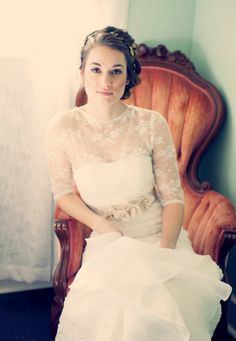 gorgeous half-sleeve lace wedding dress / vintage woodsy wedding / Sweet Violet Bride / Joyeuse Photography