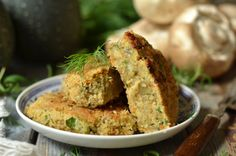 kotelty z cukinii i pieczarek Vegan Dinners, Meatloaf, Food And Drink, Cooking, Recipes, Drinks, Recipe, Kitchen, Drinking