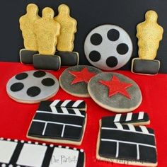 Academy Award Cookies (Oscars, Clapboards, Movie Reels, and Stars) Cupcakes, Red Carpet Party, Holiday Pies, Hollywood Theme, Hollywood Glamour, Movie Party, Oscar Party, Cookie Designs, Academy Awards