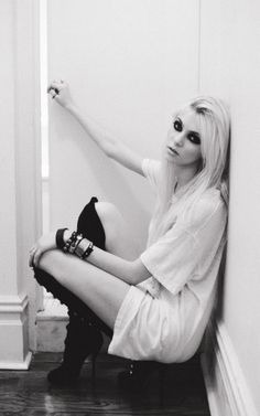 No one can explain my love for Taylor Momsen. Omfg.♡