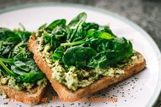 These vegan breakfast ideas are healthy, easy, and quick. These plant based meals include many breakfast ideas which are simple and delicious. Healthy Dinner Recipes, Healthy Snacks, Vegan Recipes, Easy Recipes, Healthy Fats, Cooking Recipes, Tacos Vegan, Eat Better, Fat Burning Diet