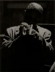 The artistic and technical innovations of Roy DeCarava. Dark Photography, Still Life Photography, Street Photography, Portrait Photography, Roy Decarava, Freedom Riders, Jazz Artists, Girl Dancing, Light And Shadow