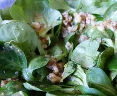 Rezept Feldsalat mit Walnussdressing von rsgschach - Rezept der Kategorie Vorspeisen/Salate