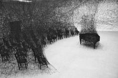 Installation Sculpture by Chiharu Shiota Land Art, Collage Kunst, Modern Art, Contemporary Art, Modern Design, Instalation Art, Artistic Installation, String Installation, Art Sculpture