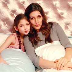 Kriti Sanon and Harshaali Malhotra Indulge In Pillow Fight :http://www.gagbrag.com/kriti-sanon-and-harshaali-malhotra-indulge-in-pillow-fight/