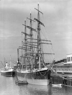 "British sailing ship ""Pamir"" [at dock] - City of Vancouver Archives"