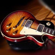 Gibson Les Paul Electric Guitar Guitar Pins, Music Guitar, Cool Guitar, Gibson Guitars, Fender Guitars, Acoustic Guitars, Heavy Metal Guitar, Taylor Guitars, Les Paul Guitars