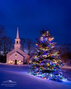 christmas scenes New Hampshire - Michael Blanchette Photography Christmas Scenery, Winter Scenery, Christmas Mood, Christmas Images, Country Christmas, Outdoor Christmas, Christmas Themes, Christmas Lights, Vintage Christmas