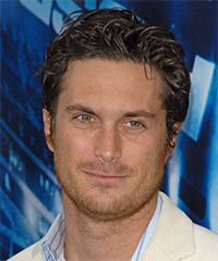 Oliver Hudson Hairstyle: Casual Short Wavy Hairstyle