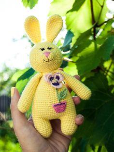 #crochet, free pattern, amigurumi, rabbit, stuffed toy, baby ratlle, #haken, gratis patroon (Engels), konijn, knuffel, baby, rammelaar, #haakpatroon