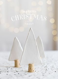 Merry Christmas Wishes : Illustration Description I know . Christmas is almost here. But if you are still looking for a small and fun decoration project Clay Christmas Decorations, Ribbon On Christmas Tree, Little Christmas Trees, Noel Christmas, Rustic Christmas, Christmas Crafts, Christmas Ornaments, Christmas Wishes, Theme Noel