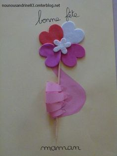 activité manuelle : fête des mères Diy And Crafts, Crafts For Kids, Arts And Crafts, Pinterest Crafts, Art Education, Kids And Parenting, Christmas Crafts, Projects To Try, Valentines