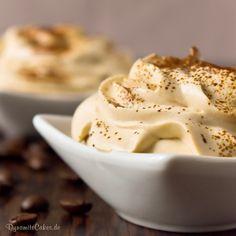 Espresso ist ein toller Begleiter zum Dessert - warum also nicht gleich ein Dessert daraus zaubern? Die Espresso-Quark-Creme ist low carb und megalecker!