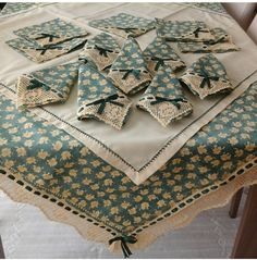 Discover thousands of images about Sewing Crafts, Sewing Projects, Formal Dining Tables, Linens And More, Love Sewing, Table Toppers, Machine Quilting, Soft Furnishings, Table Linens