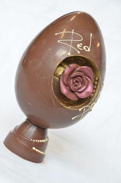 """Red Rose"". Uovo di Pasqua al latte."