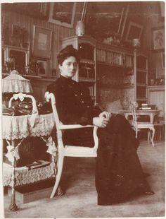 Alexandra in the Mauve Room