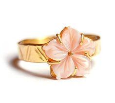 Gouden ring met roze bloem | Ringen - Goud | Nadine Kieft Jewelry Webshop