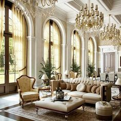 #luxury #luxurious #luxuryfurniture #madeinitaly #italy #handmade #classic #classicfurniture #classicinteriors #newyork #nyc #milano #london #iran #italianfurniture #interiordesign #shabbychic #instagram #qatar #kuwait #kiev #paris #uae #ksa #kazakhstan #aktau #q8