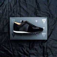 👟👟 #shoes  #shoe #blackstyle #black #instashoes #fashion #style #shoeshopping #shoeporn #design #designer #designed #designs #fashiondesign #interiordesign #architecture #architect #artist #shoestagram