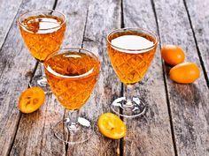 Nalewka pomarańczowa na Boże Narodzenie - szybki przepis Cocktail Recipes, Cocktails, Alcoholic Drinks, Beverages, Orange, Bartender, Smoothie, Christmas Diy, Food And Drink