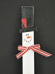 Snowmen Rule! - This popular Christmas craft is so easy and perfect for kids to make during the holiday season.