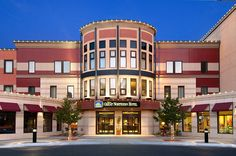 Within walking distance to the Great Northern Town Center, boutiques, shops, galleries and the theatre. Best Western Premier Helena Great Northern Hotel #HelenaMontana