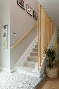 Trendy open stairs ideas stairways banisters Ideas : Trendy open stairs ideas stairways banisters Ideas Avoiding Injuries on Stairs Many will inherit that one of the most crash prone areas of a house or building is the stairs. Stair Banister, Stair Railing Design, Home Stairs Design, Stair Decor, Interior Stairs, Banisters, Staircase Banister Ideas, Railings For Stairs, Handrail Ideas