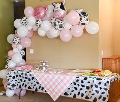 Cow Birthday Parties, Baby Birthday Themes, Farm Animal Birthday, Cowgirl Birthday, Baby Girl 1st Birthday, Farm Birthday, Birthday Ideas, Barnyard Party, Farm Party