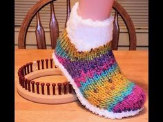 (20) How to Loom Knit Ice Booties - YouTube