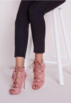 9f3af3896699 Sandales à lacets roses à glands - Chaussures - Talons hauts - Missguided  Sandales Talons Lacets