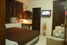 Away from din of the city, away from hectic pace of life, Hotel Royal Inn Home stay awaits you with warm hospitality!