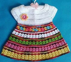 Veronica crochet y tricot. Crochet Baby Dress Free Pattern, Crochet Dress Girl, Crochet Girls, Crochet Baby Clothes, Crochet For Kids, Knit Crochet, Crochet Children, Crochet Patterns, Crochet Toddler