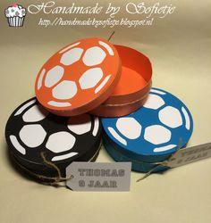 Handmade by Sofietje: #traktatie #voetbal #jongen #boy #soccer #giftbox Coasters, Goals, Jr, Handmade, Hand Made, Coaster, Handarbeit