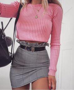 Fantastic 60+ Never Failed Chic Long Sleeve ang Mini Skirt Outfits Ideas | Carliño Coutinho Plaid Skirts, Women's Mini Skirts, Plaid Mini Skirt, A Line Skirts, Short Skirts, Girl Skirts, Woman Fashion, Fashion Fashion, Fashion Outfits