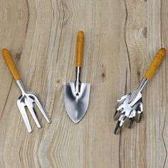 Wooden Handles For Garden Tools - As the world becomes a smaller area and also the exchange of thoughts takes place in a p Household Cleaning Tips, Toilet Cleaning, House Cleaning Tips, Cleaning Hacks, Removing Lipstick Stains, Wd 40 Uses, Garden Tool Set, Clean Shoes, Wooden Handles