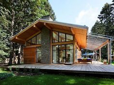 Пользователь ДомСтройКомплект подписался на ваши обновления в Pinterest Roof Design, House Design, Cottage Exterior, Modern Cottage, Forest House, Cabins And Cottages, River House, Prefab Homes, House In The Woods