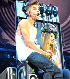 VIDEO: Justin Bieber One Less Lonely Girl Madrid, SPAIN