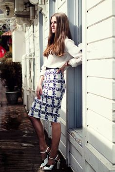 A stunning image from Katerina of Style Blog My Neon Rock in the Pansy Pencil Skirt - Off White/Lilac - Sugarhill Boutique