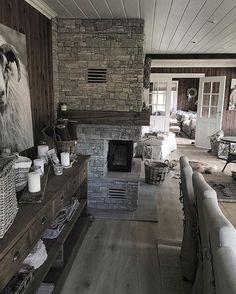 God lørdagskveld alle sammen! ❤️ Ønsker dere en fin kveld ❤️ Rustic Style, Modern Rustic, Farmhouse Style, Dere, Cabins And Cottages, Interior Inspiration, Living Room Designs, Bungalow, Sweet Home