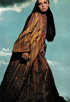 Donna Mitchell is wearing a striped gold, orange and blue caftan, photo Helmut Newton, 1966 Helmut Newton, Style Caftan, Caftan Dress, Kimono, Modest Fashion, Boho Fashion, High Fashion, 1960s Fashion, Vintage Fashion